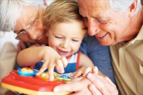 Можно ли оформить декретный отпуск на бабушку