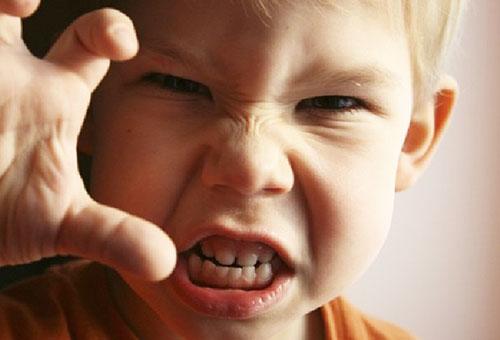 что делать если ребенок рычит горлом изнеможения